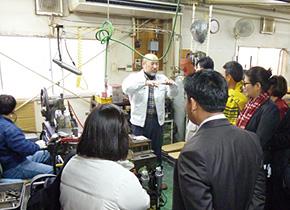 2013 年11 月関経連アセアン経営研修の折に伺った同社。アジアからの研修員を温かく迎えていただきました。