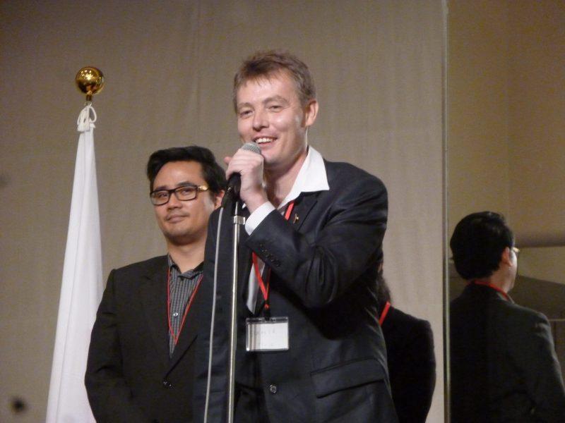 ダミール・ムザファロフさん (ウズベキスタン・タシュケント市、ウズベキスタン日本センター、ビジネスコース・コーディネーター)