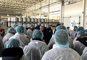 AGRANA Fruitsの製品保管庫での説明