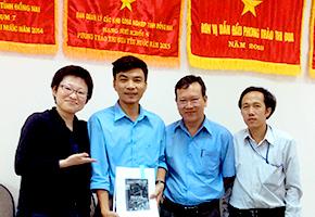 プロジェクト当初から一緒に働いているベトナムの関係者 左から、ドンナイ高度職業訓練短大のBAC先生、DUC校長先生、DIZA・関西デスクご担当のDUC氏(一番左は事務局 関野)