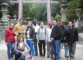 史街道協議会の「日本文化理解プログラム」で奈良、春日大社、東大寺を訪れ、日本の歴史を学びました。