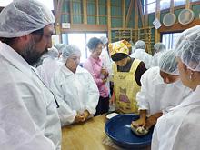 【甲賀市】地域産業振興政策例そば打ち体験