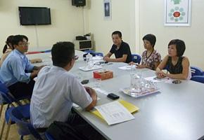 ハノイ/CANIFA社 経営幹部らとカイゼンの導入や経営戦略、日本企業とのビジネスについて意見交換。