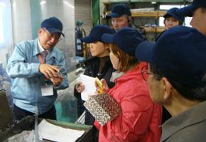 工場の中を見学し、製造の工程も説明いただきました。