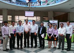 カンボジア日本センターを訪問。同センターの講師として日本型経営や5S、KAIZENを現地企業の経営幹部らに指導者として活躍する帰国研修員もいます。