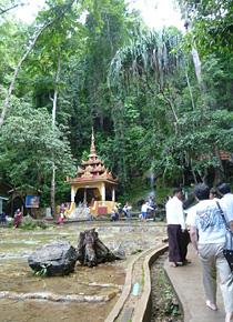 ミャンマーの都市ピンウールイン