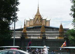 カンボジアプノンペンの町の様子 (2013 年9 月撮影PREX)