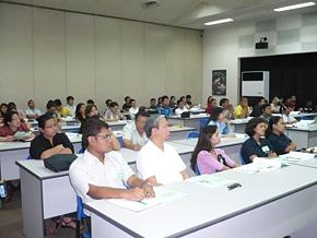 環境経営セミナーの様子 フィリピン/企業経営者など70名以上が参加。