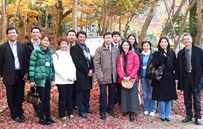 2008年「関経連アセアン経営研修」でアセアン各国の研修員のまとめ役を担っていたジョージ氏(左端)。