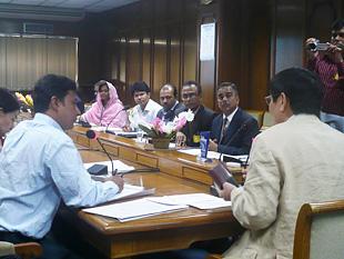 バングラデシュ銀行、バングラデシュ中小企業基金などの職員の人たちが受講したセミナー。