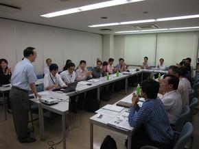 自身の経営観や日本の中小企業の課題を熱く語られる吉谷会長。