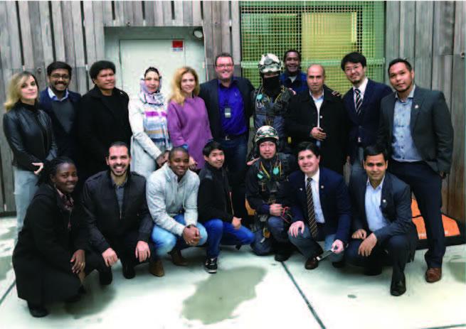 JICA「投資促進のためのキャパシティ・ディベロップ メント(A)」に参加した研修員と。