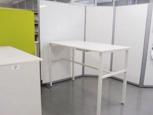 効率的会議運営のため導入したスタンディングテーブル