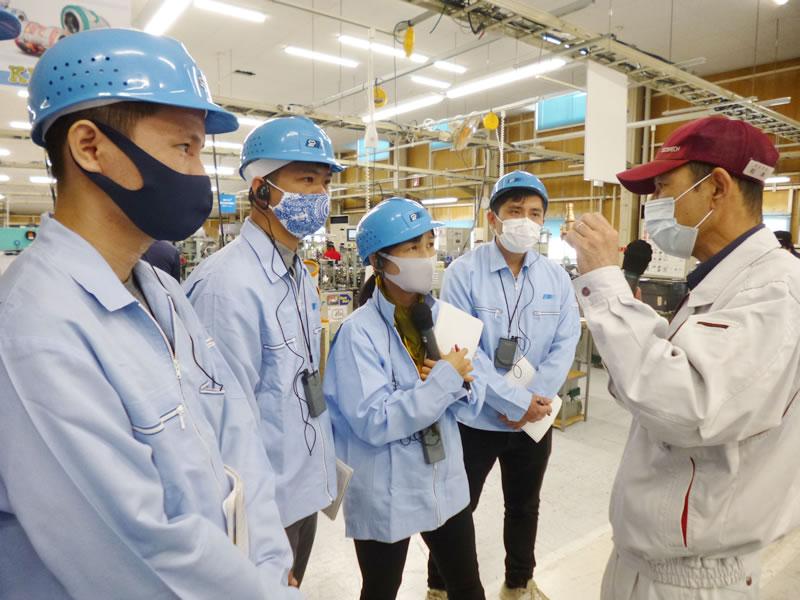 東尾メック株式会社を訪問したベトナム人リーダーの皆さん